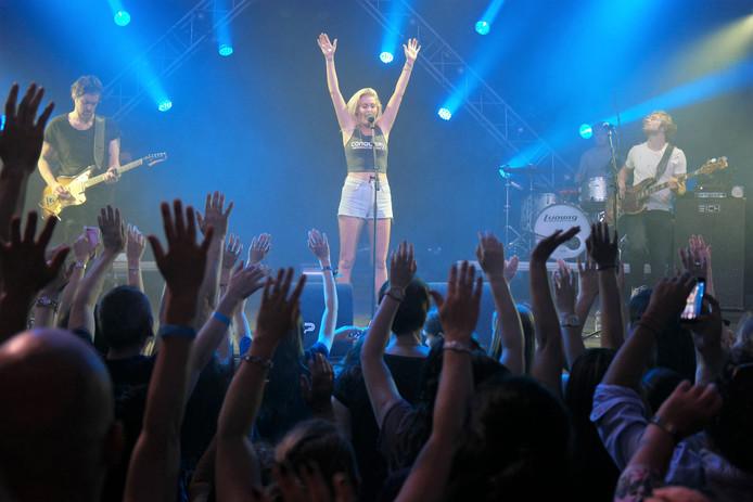Tijdens de eerste editie van Spijkenisse Live ging het dak eraf met Miss Montreal.