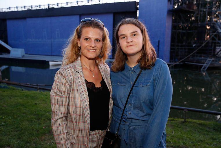 Nele Goossens bracht haar dochter Amelie Jozefien mee.