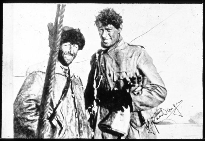 De documentaire over Poolheld Sjef van Dongen (rechts), die zijn roots in Waalwijk had, is op verschillende plaatsen te zien geweest.