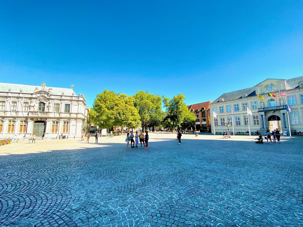 Het toerisme in Brugge bloedt: de zon schijnt, het is zomervakantie, maar toeristen zijn er amper.