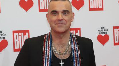 Robbie Williams evenaart record van Elvis Presley