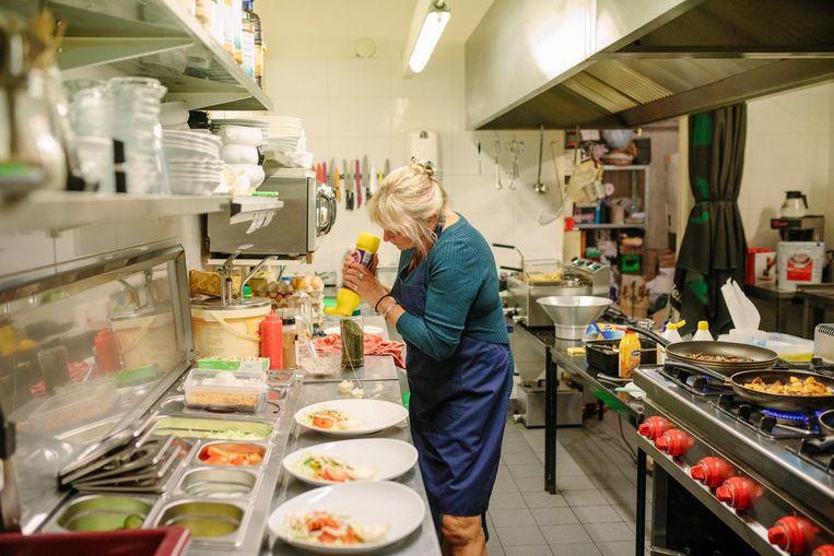 Marjan de Boer: 'We hebben een ruime menukaart met gewone gerechten' Beeld Marc Driessen