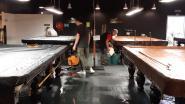 """Snookerhal De Pomerans onder water door hevige regen: """"We weten nog niet of we de tafels kunnen redden"""""""