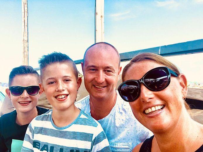 Wendy Brugman-Visser met haar man en twee kinderen (13 en 11).