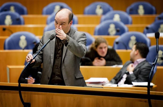 SP-Kamerlid Jasper van Dijk stelt aan twee ministers schriftelijke vragen over de chroom-6-zaak in Tilburg.