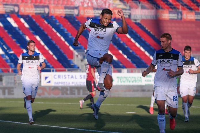 Luis Muriel viert zijn goal.