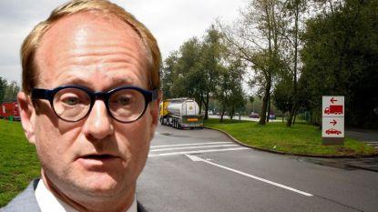 """Weyts verwerpt kritiek op beveiliging snelwegparkings: """"Europese buitengrenzen zijn bron van probleem"""""""