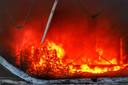 Binnen lag veel brandbaar materiaal opgeslagen.