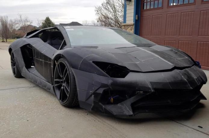 De nagemaakte Lamborghini Aventador.