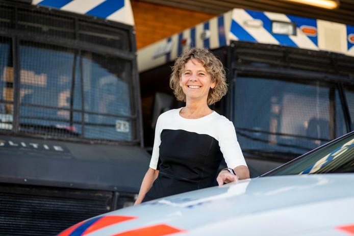 Janny Knol neemt afscheid als districtschef van de politie in Twente