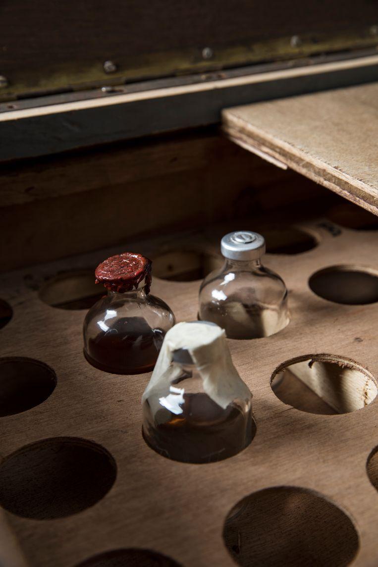 Een replica van het verdwenen dopingkistje. Beeld de Volkskrant