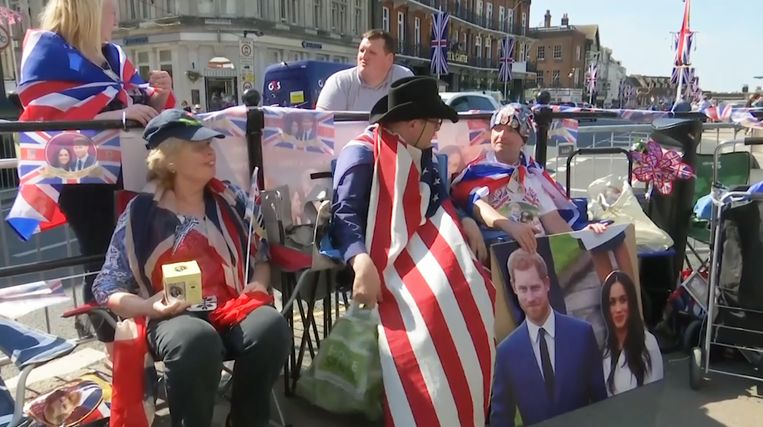 Britse royaltyfans kamperen nu al voor St. George's Chapel, waar het huwelijk van prins Harry en Meghan Markle zal plaatsvinden