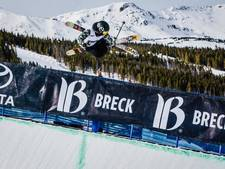 Freestyleskiester schokt fans met harde val op NK