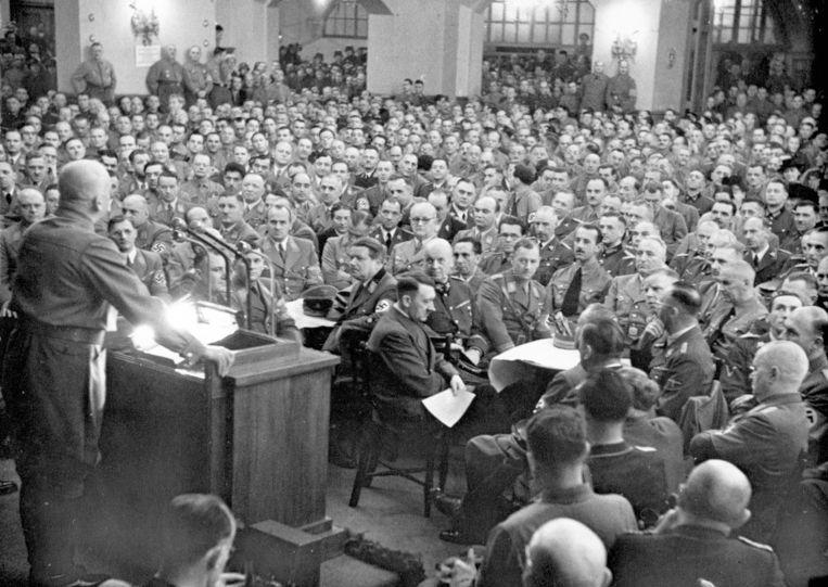 Hitler op de herdenking van de Bierkellerputsch, 9 november 1941. Beeld Berliner Verlag/Archiv