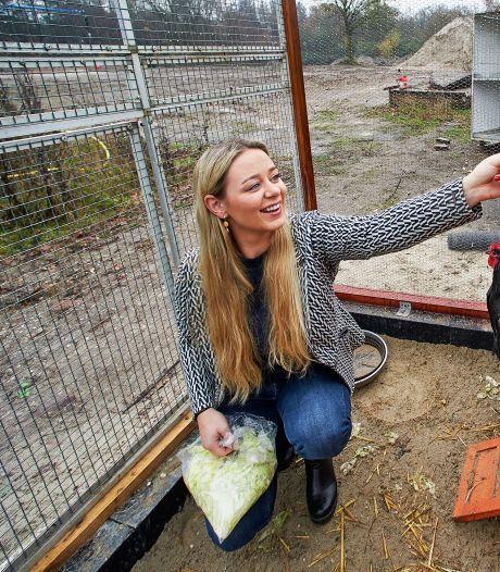 Sharon begint dierenopvang: 'Een duif is maar een duif? Een duif is een duif!'