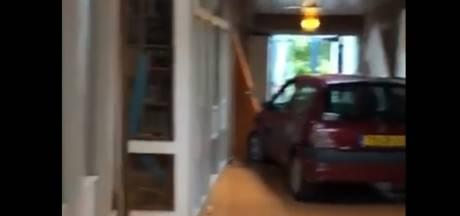 Renault rijdt basisschool binnen tijdens afscheidsfeest groep 8: 'We hoorden een enorme knal'