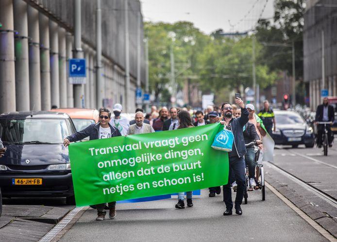 De bewoners hielden een mars naar het stadhuis.