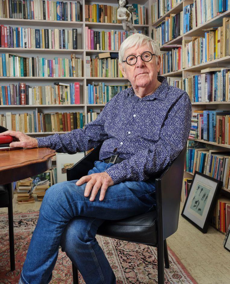 Dolf Verroen: 'Duizend schrijvers kunnen beterschrijven dan ik, maar niemand schrijft zoals ik.' Beeld Erik Smits