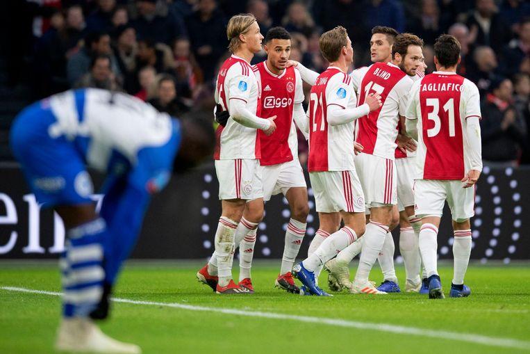 Ajax viert de 2-0 tegen De Graafschap. Beeld anp