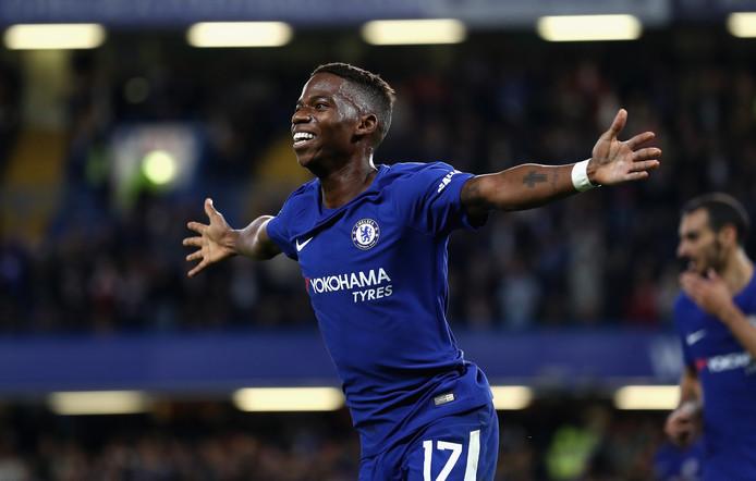 Charly Musonda als speler van Chelsea, in 2017. Hij viert een goal in de Carabao Cup tegen Nottingham Forest.