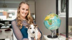 """ZOVEEL VERDIEN IK. Stéphanie (27) werkt als ondersteuner in het onderwijs: """"3.000 euro per jaar aan reizen en toch veel sparen"""""""