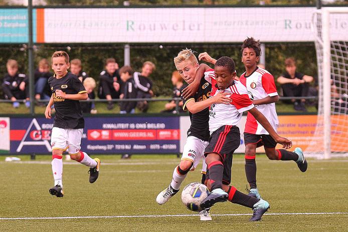 Feyenoord won de afgelopen twee jaar het toernooi in Zutphen. Vorig jaar versloeg het AZ in de eindstrijd met 2-1.