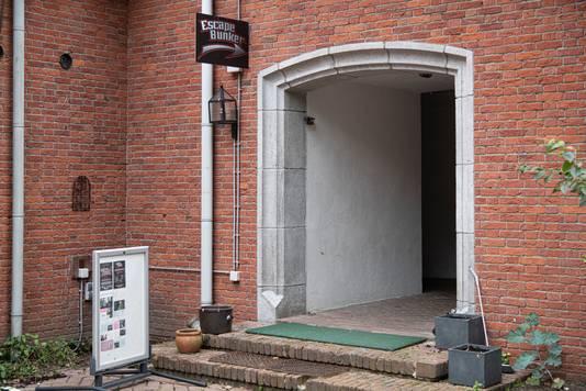 De ingang van de Escape Bunker Market Garden in Valkenswaard. De drie meter dikke betonnen muren zijn duidelijk te herkennen.