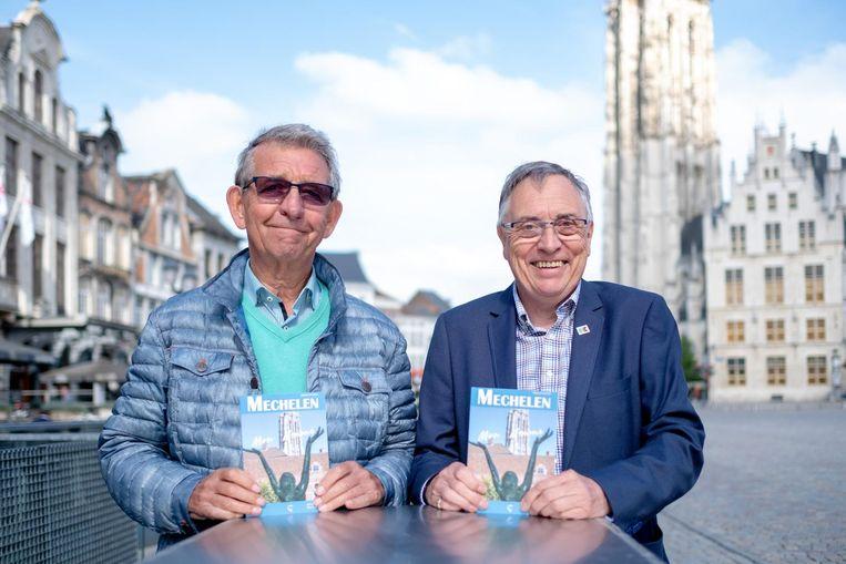 Ferre Uytterhoeven en Rudi De Mets stellen hun stadsgids 'Mechelen, Mon Amour' voor.