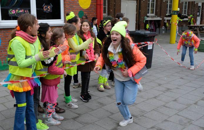 De Fluo Run in basisschool Ter Doelhagen in Rumst