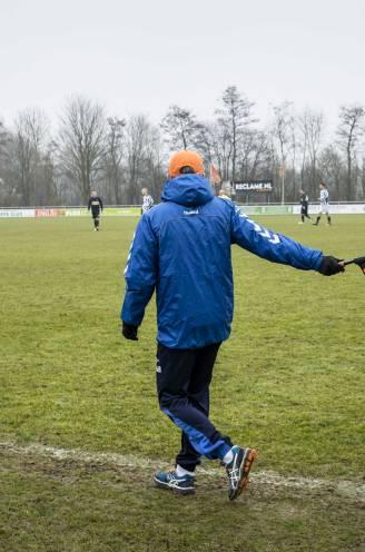 """Hoe moet het amateurvoetbal zich redden? Besef dringt eindelijk door: """"1.000 euro of meer per maand verdienen aan een hobby, dat is niet normaal"""""""