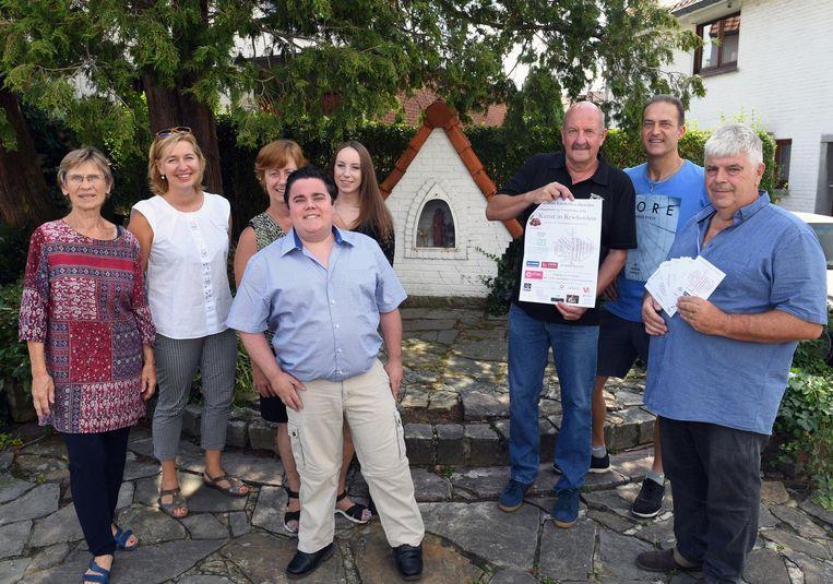 Bert Gooris (midden vooraan) organiseert samen met het Rondoufonds een benefiet voor Duchenne-onderzoek.