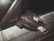 Jongeren vernielen autospiegels in Huissen