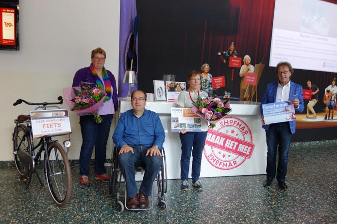 Mevrouw en meneer Scheepers, mevrouw van Otterdijk en Pieter Oostveen