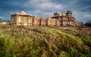 Het paleis in het Engelse graafschap Sussex dat Robert Mugabe laat bouwen samen met zakenman Nicholas van Hoogstraten.