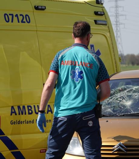 Fietser raakt gewond bij aanrijding op Lage Valkseweg in Lunteren