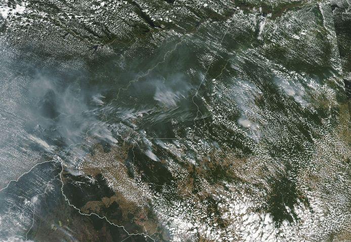 Het Braziliaanse oerwoud is dit jaar volgens het Braziliaanse nationale instituut voor ruimteonderzoek (INPE) getroffen door een recordaantal van bijna 73.000 branden.