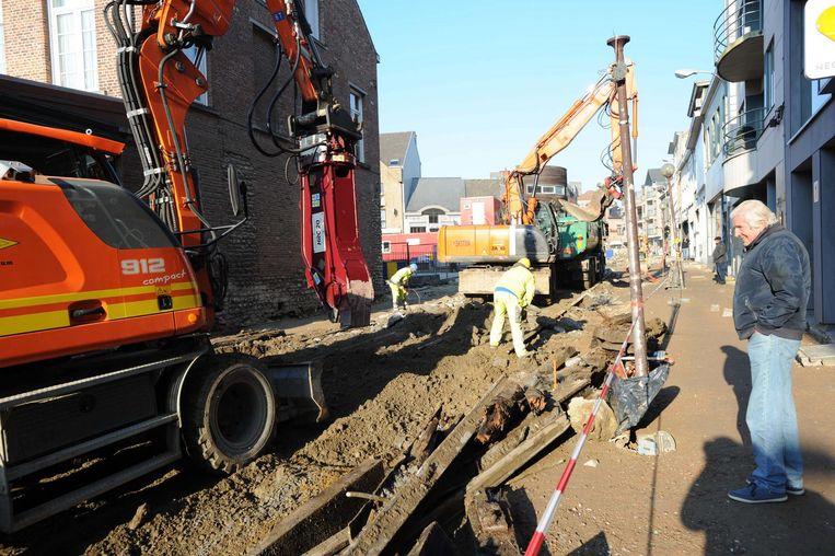 De laatste sporen in de Bergstraat worden opgebroken om plaats te maken voor de uitrit van de nieuwe ondergrondse parking.
