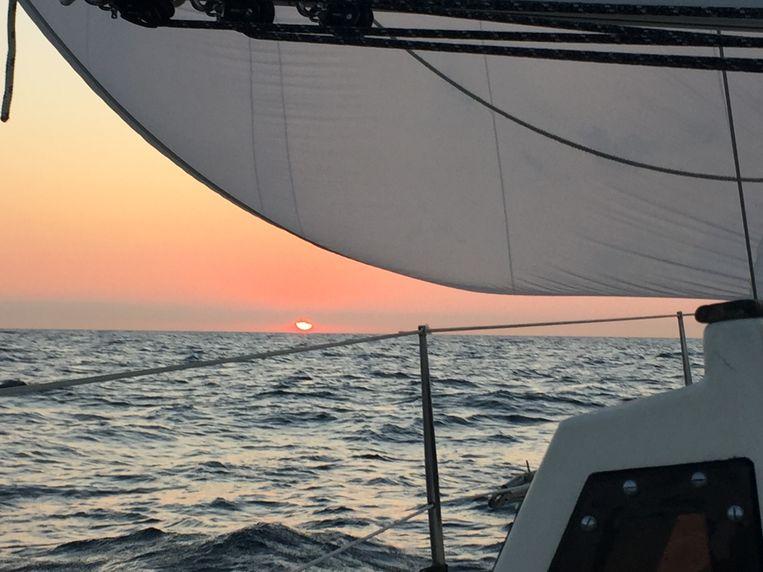 Zonsopgang op de Noordzee. Beeld Toine Heijmans