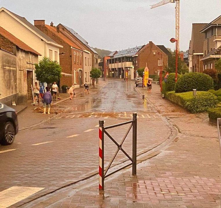 De Elzasstraat in Huldenberg kreeg het ook zwaar te verduren.