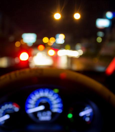 Dronken chauffeur met bus vol passagiers van de A1 gehaald