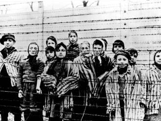 """Het aangrijpende geheim van de tatoeëerder van Auschwitz: """"De enige Jood die ooit in gaskamer is gegaan en er weer levend is uitgekomen"""""""