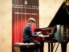 Jure (11) finalist Steinway Pianoconcours