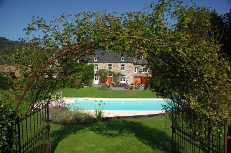 De b&B Le Richmond bestaat uit een traditioneel herenhuis met grote tuin en zwembad.