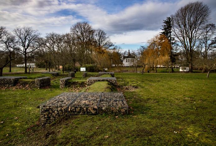 Het gebied van de Baronie van Cranendonck. Op de achtergrond het kasteeltje.