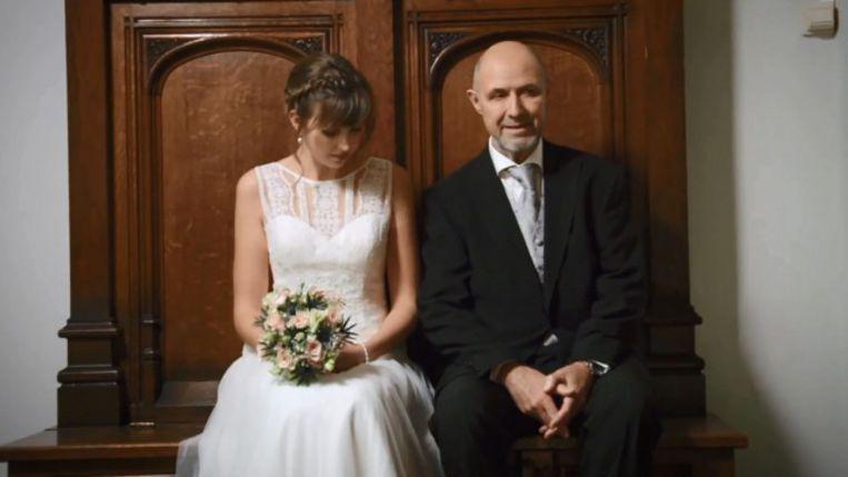 Siamese tweeling getrouwd met een man