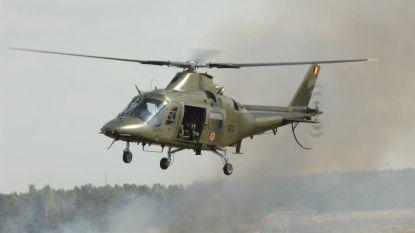 Helikopter Belgisch leger moet landen op parking door technisch probleem