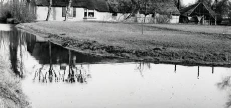 Deze monumentale boerderij in polder Papendorp moest wijken voor kantorenpark én de Prins Clausbrug
