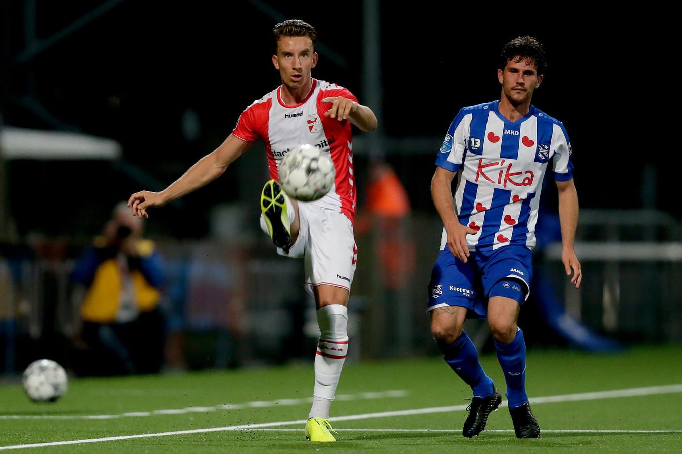 (L-R) Glenn Bijl of FC Emmen, Jordy Bruijn of SC Heerenveen during FC Emmen - SC Heerenveen NETHERLANDS, BELGIUM, LUXEMBURG ONLY COPYRIGHT BSR/SOCCRATES