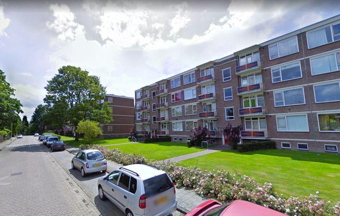 Een flatwoning aan de Prins Bernharstraat is op last van de burgemeester gesloten.
