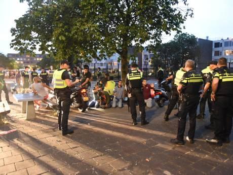 Politie met vuurwerk bekogeld in Overvecht, eerste relschoppers aangehouden
